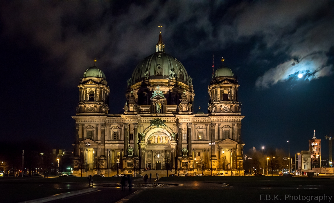 Berlin Cathedral - Hyperlapse with 3D Intro.